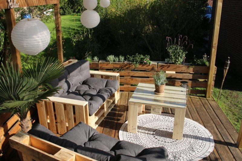Lounge Möbel mit ONLOOM Outdoorteppich