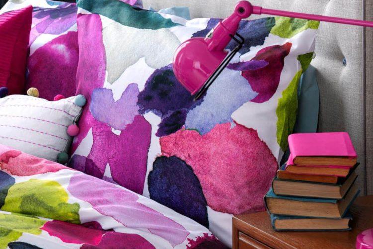 Farbenfrohe Bettwäsche in Pink